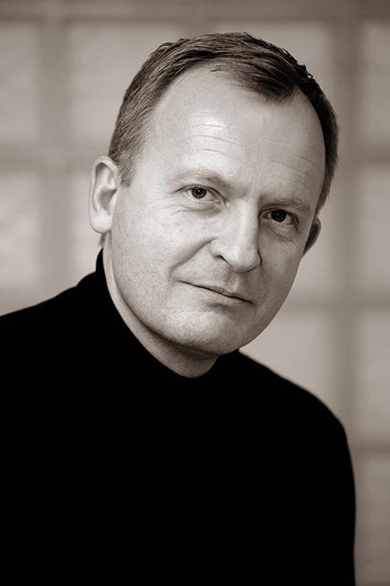 Dr. Csermák András